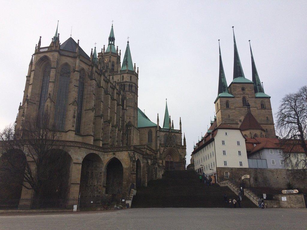 Dieses Bild hat ein leeres Alt-Attribut. Der Dateiname ist erfurt-cathedral.jpg